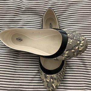 Crocs ballet flats black/white lace pattern sz 10